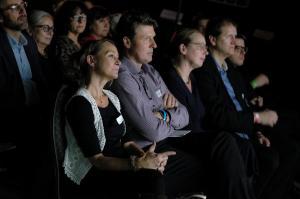 Zuschauer-Impression mit Ilka Bickmann, Prof. Ralf B. Wehrspohn, Manon Bursian und Martin Heine